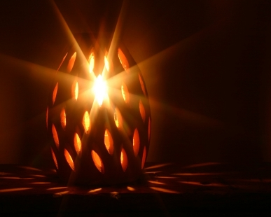 IStock_candle_light_XSmall