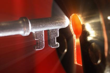IStock_Buyers_Keyhole