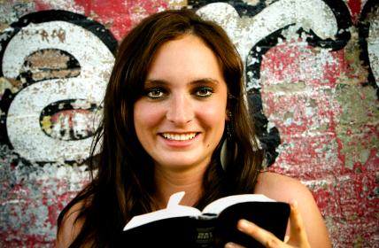 IStock_Girl_BibleXSmall